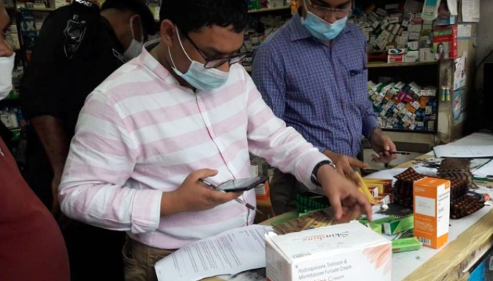 4 pharmacies fined TK 4.5 lakh for selling unapproved drugs