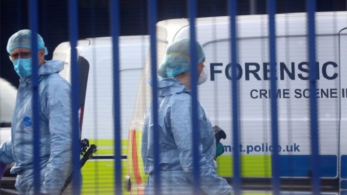 Croydon shooting: Officer shot dead at police custody centre