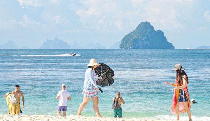Thailand to short quarantine period for foreign tourists