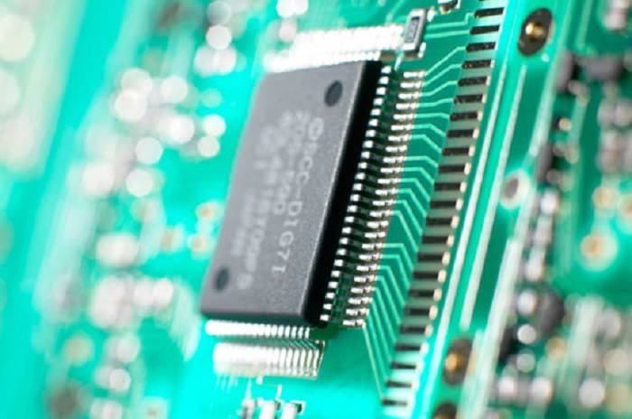 US restricts technology sales to Chinese semiconductor giant