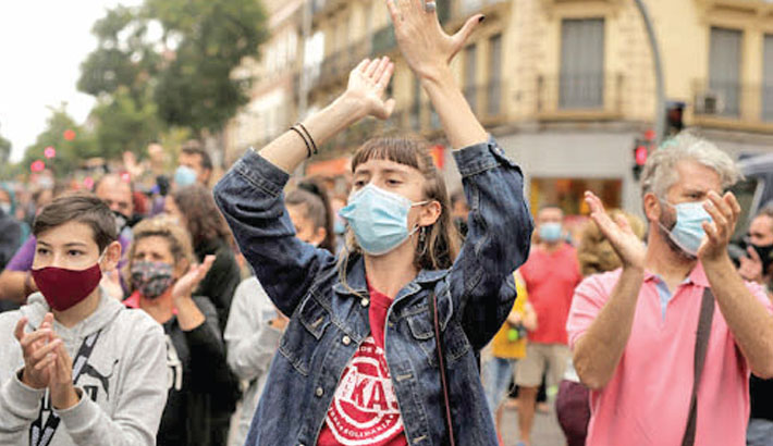 Protest in Madrid against partial lockdown