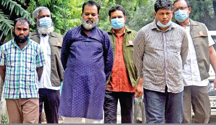 Three 'fake DB men' nabbed in city