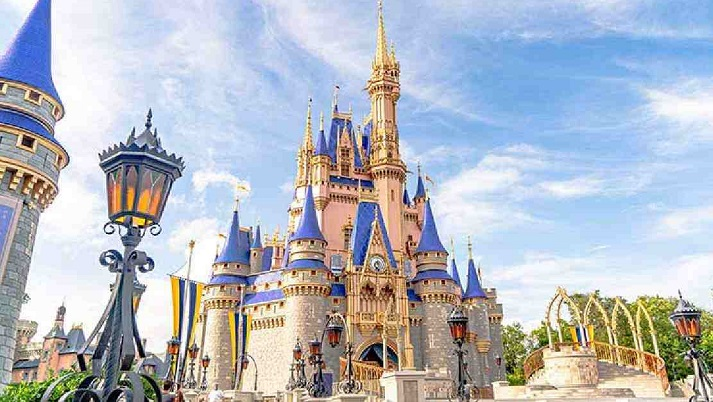 Disney to axe 28,000 jobs