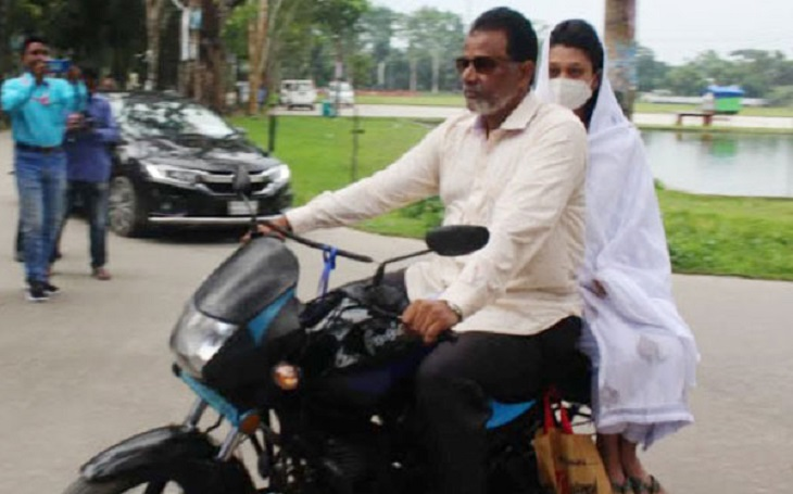 Verdict on Rifat murder: Minni reaches court with her father
