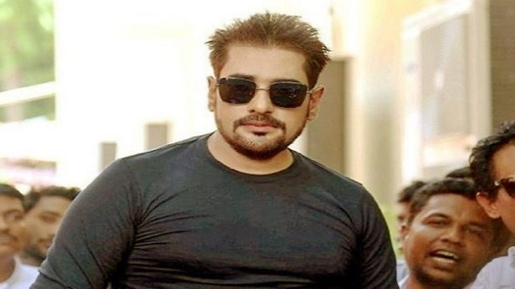 Actor Ananta Jalil gets wrong how women dress