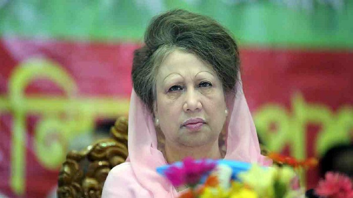 Khaleda not free to receive advanced treatment: Fakhrul