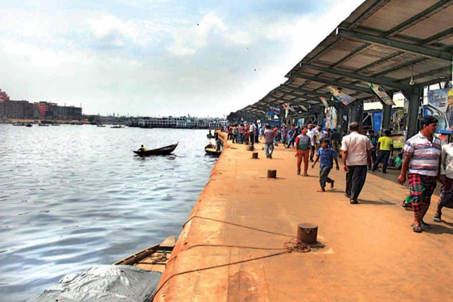 Goods-carrying water transport workers start indefinite strike