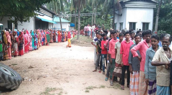 Elections, by-polls to 208 local government bodies underway