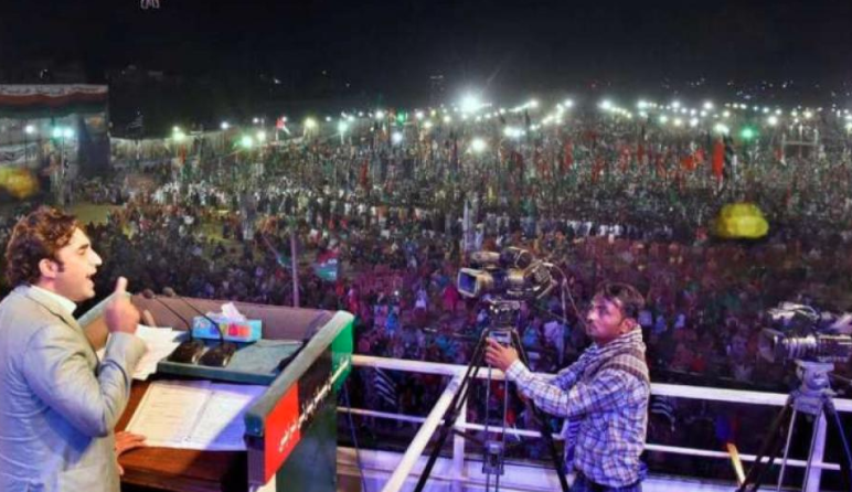 Imran Khan 'lost' Karachi after PDM's rally