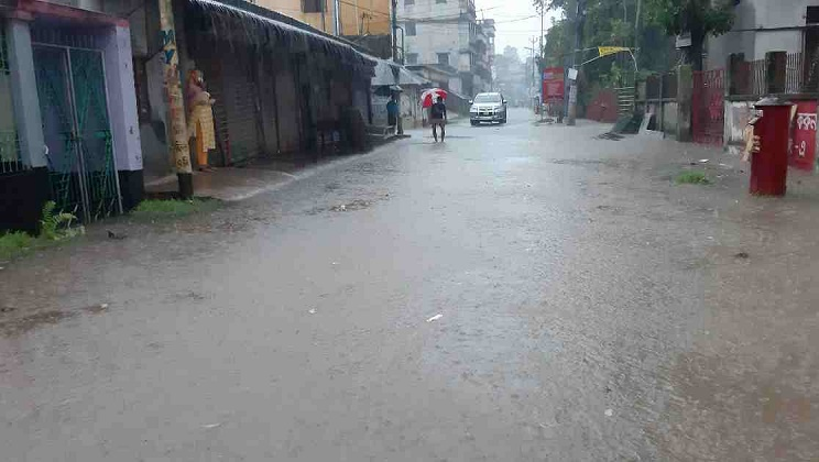 Torrential rain maroons 38,000 people in Bagerhat