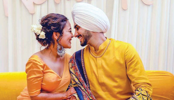 Neha ties the knot with Rohanpreet Singh