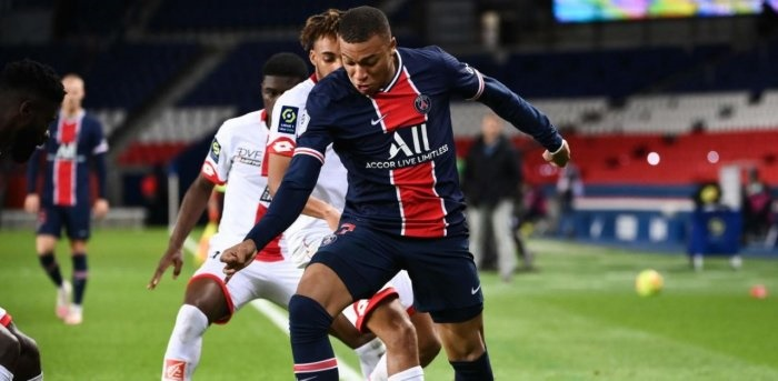 Kean, Mbappe send PSG top after Lens game called off due to Covid outbreak