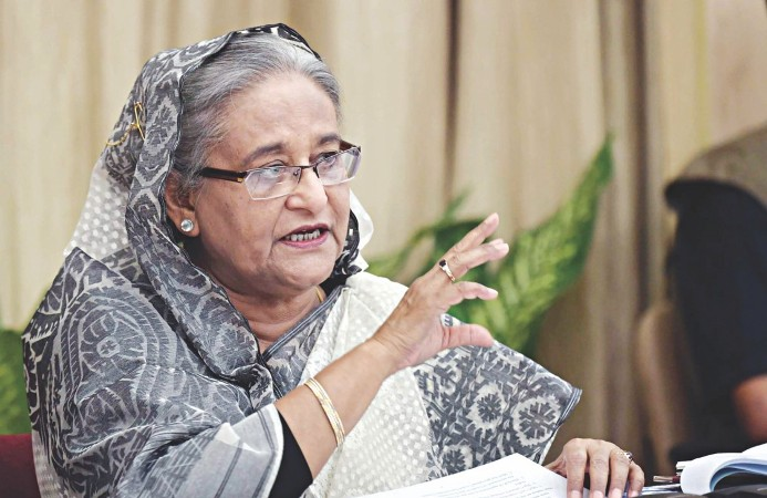 PM urges journos to work being imbued with patriotism