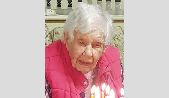 Oldest person  in Britain dies  aged 112