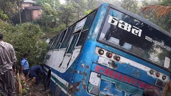 Mother, daughter killed as bus falls into ditch in Natore