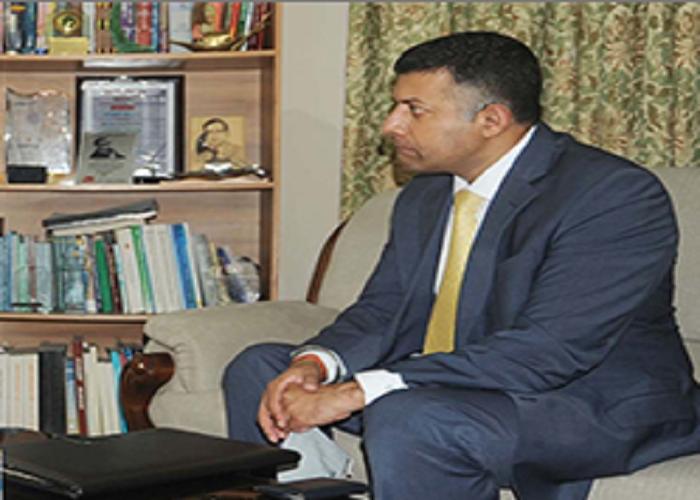 Indian High Commissioner calls on DU VC