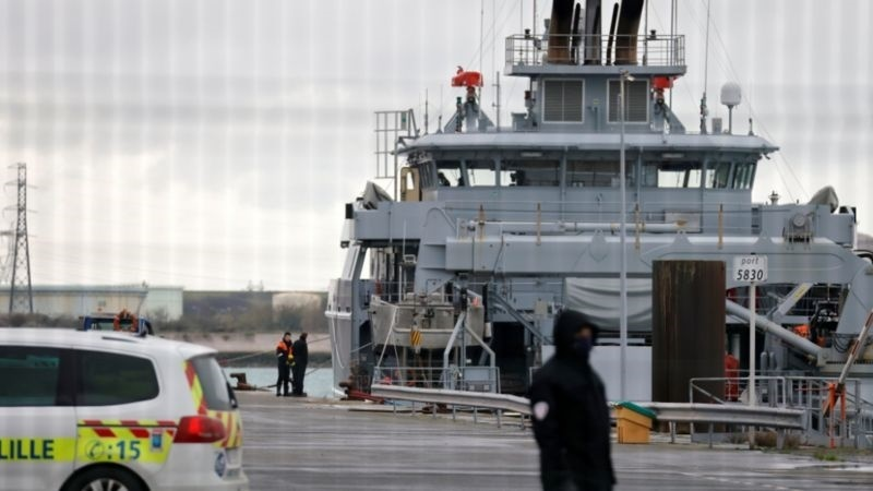 Channel migrants: Four dead as boat sinks near Dunkirk