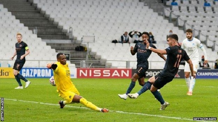 Man City cruise past Marseille to maintain winning start