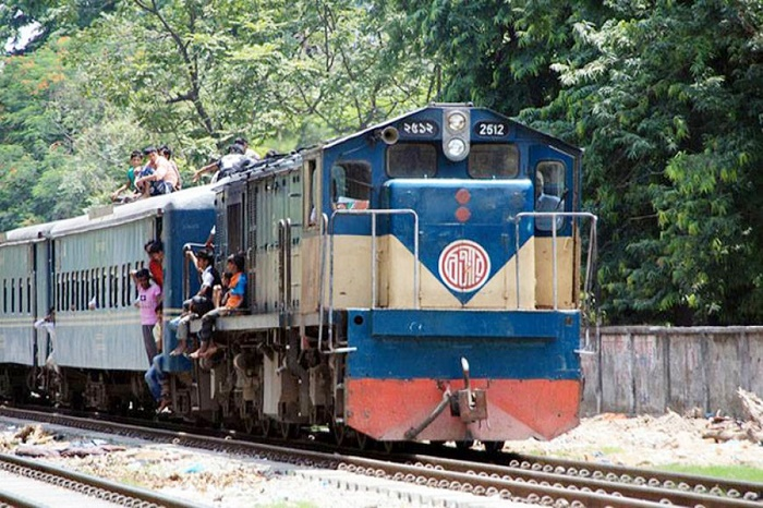 Dhaka's rail link with Mymensingh-Rajshahi resume after one and half hrs