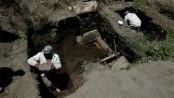 59 bodies found in Mexico hidden graves