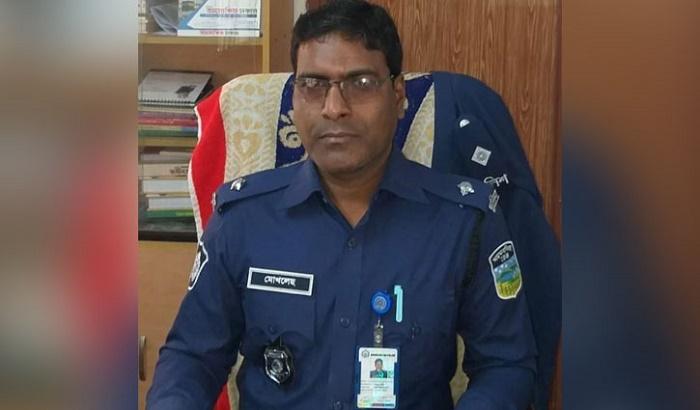 Iswarganj OC withdrawn for 'taking bribe'