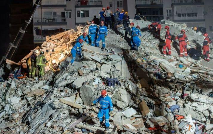 26 dead, buildings collapse as major quake hits Turkey, Greece (Video)