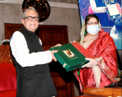 Speaker presents books on Bangabandhu's autobiography to president