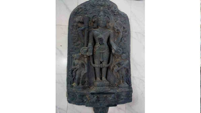 Naogaon Archaeology Dept gets 11 touchstone statues