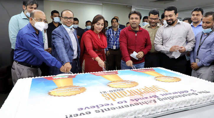 Winning Superbrands Award by Bashundhara paper, tissue and diaper celebrated