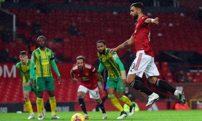 Man Utd 'must do better' despite ending home drought
