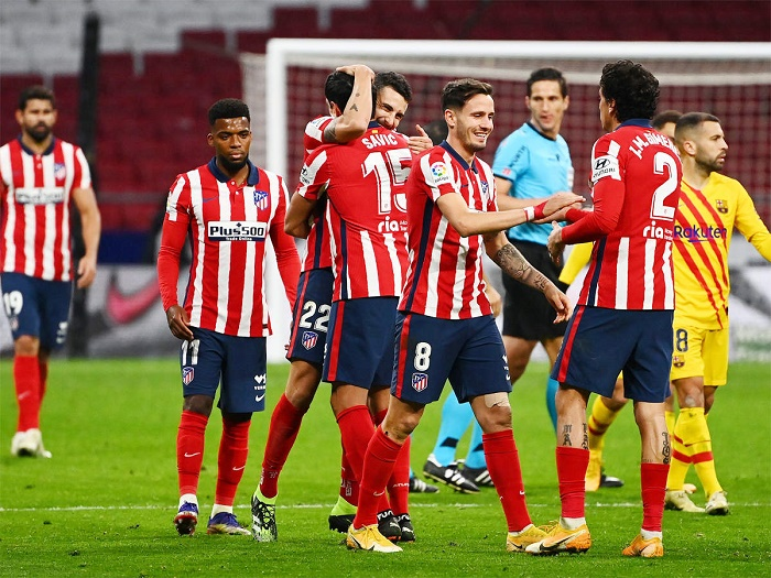 Atletico edge past Barca to earn title boost