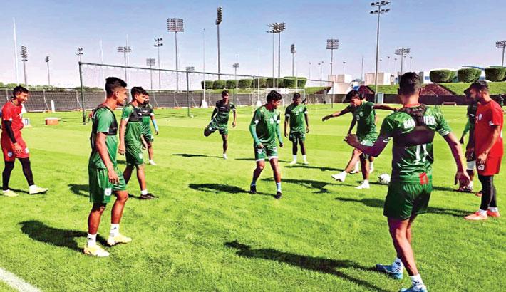 Qatar tour exposes lack of football diplomacy