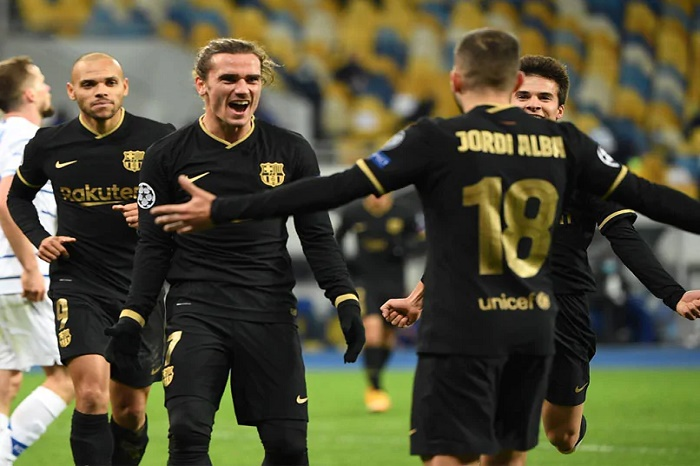 Barca stroll into last 16 after thrashing Dynamo Kiev