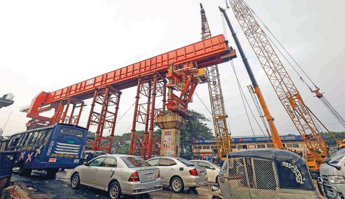 Construction work on Dhaka Elevated Expressway