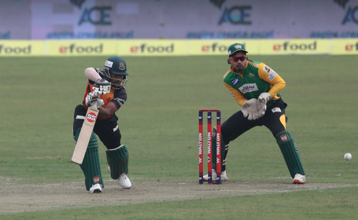Ariful late blitz leads Khulna to 146-6 against Rajshahi