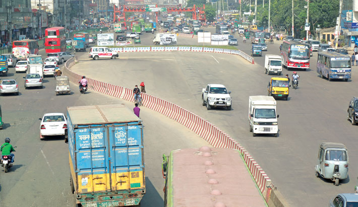 U-turns ease city traffic jam