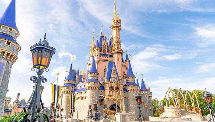 Disney to lay off 4,000 more employees amid pandemic