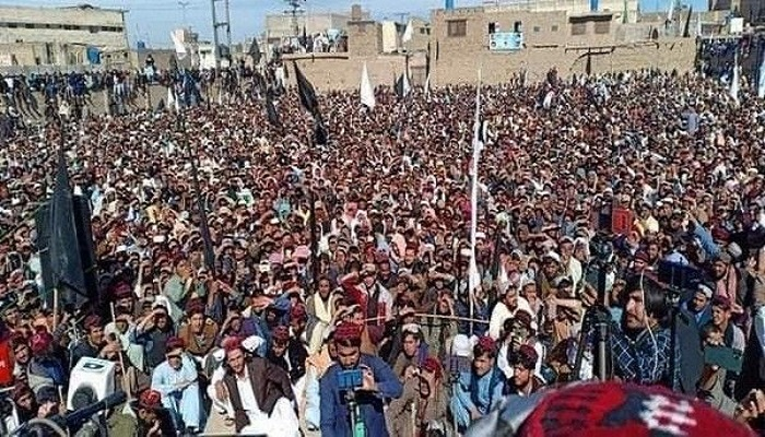 Thousands attend PTM rally in Chaman demanding end to Afghan war,