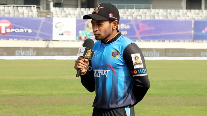 Dhaka makes three changes as they bowl first against Khulna