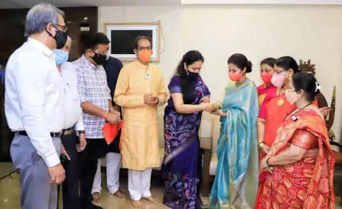 Urmila Matondkar, Who quit congress last year, joins Shiv Sena