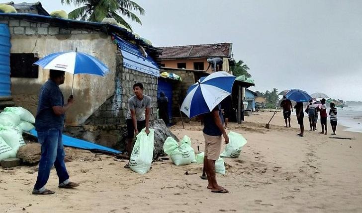 Second cyclone in a week threatens Sri Lanka, India