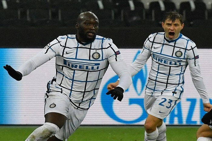 Lukaku double keeps Inter alive in Champions League
