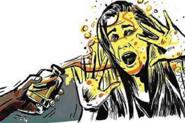 Ex-husband throws acid on RMG worker in Dhaka's Ashulia