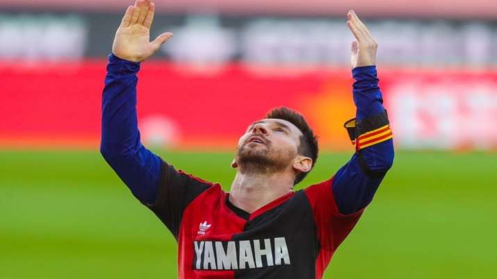 Lionel Messi fined 600 euros for tribute to Maradona