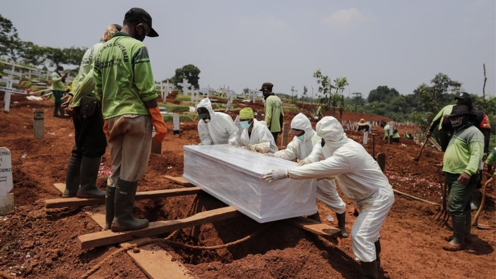 Global Covid-19 death toll exceeds 1.5 mln
