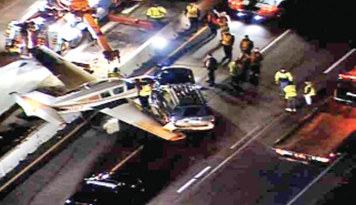 Light aircraft makes night-time landing on US highway