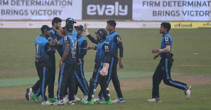 Mushfiqur guides Dhaka to third win in row