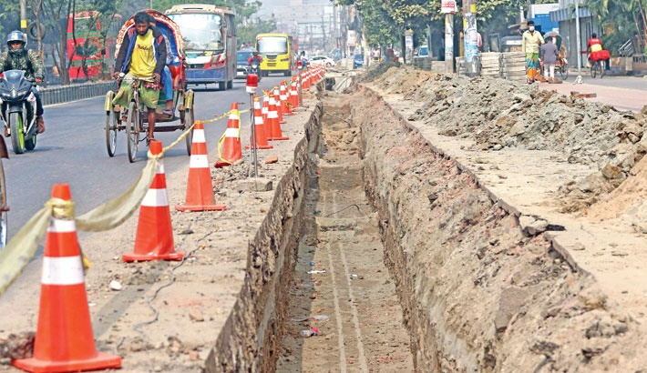 City dwellers' woes mount as road digging continues