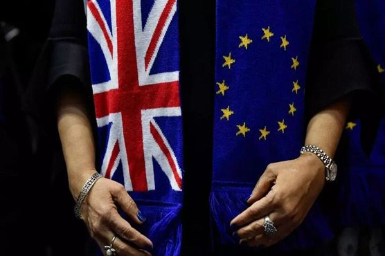 EU, UK face 'narrow path' to Brexit breakthrough in final push
