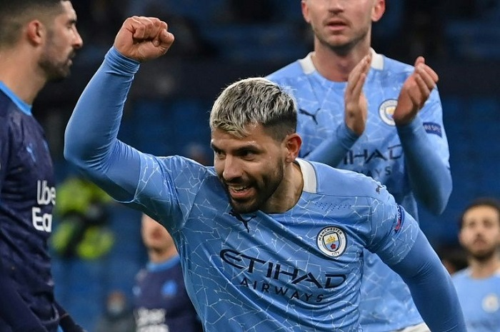 Aguero back in the goals as Man City see off Marseille